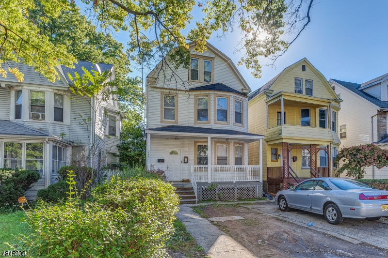 Photo of home for sale at 266 S CLINTON ST, East Orange City NJ