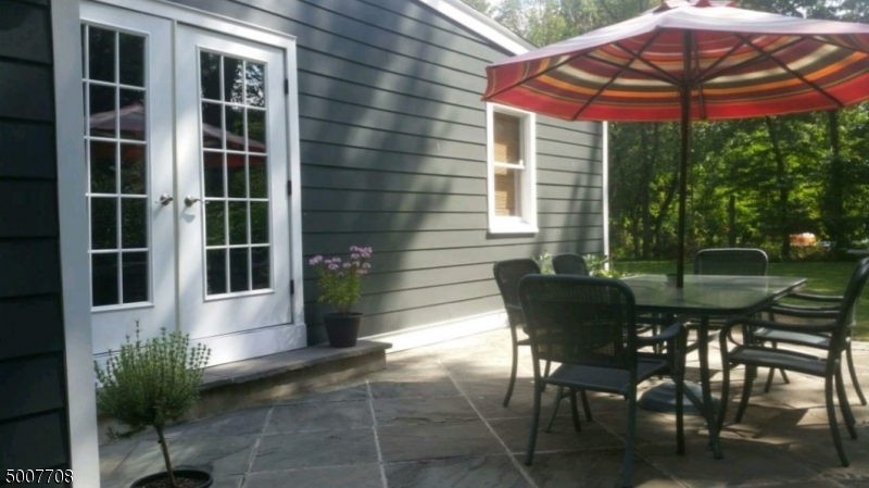 Photo of home for sale at 33 MEADOWVIEW RD, Long Hill Twp. NJ