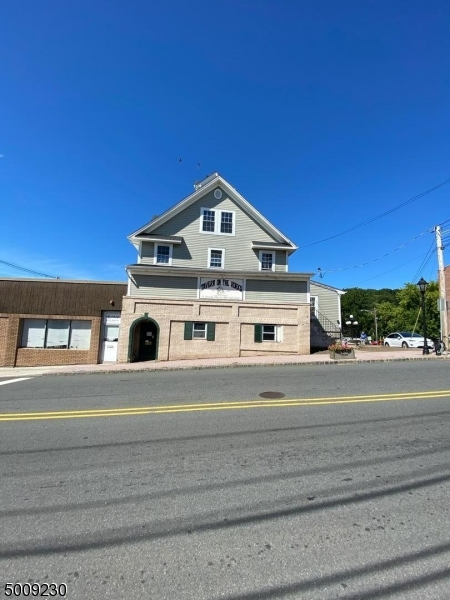 Photo of home for sale at 9 WALL ST, Rockaway Boro NJ