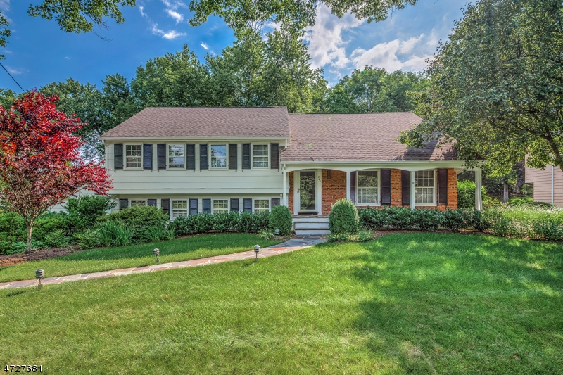 247 Parsonage Hill Rd, Millburn Township, NJ 07078