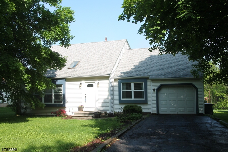 15 Fawn Run Bloomsbury Boro, NJ 08804 - MLS #: 3457864