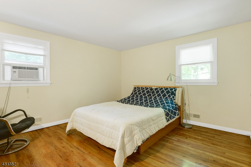 573 MOUNTAIN AVE Springfield Twp., NJ 07081 - MLS #: 3480664