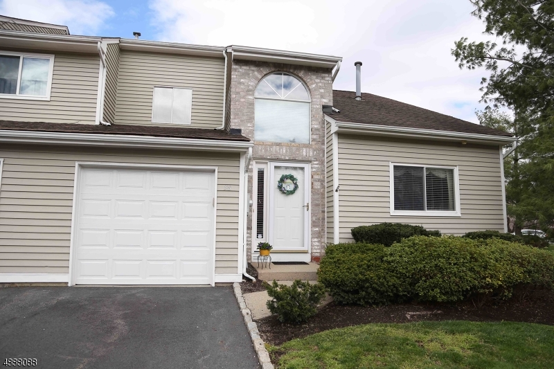 Photo of home for sale at 58 CASTLE RIDGE DR, East Hanover Twp. NJ