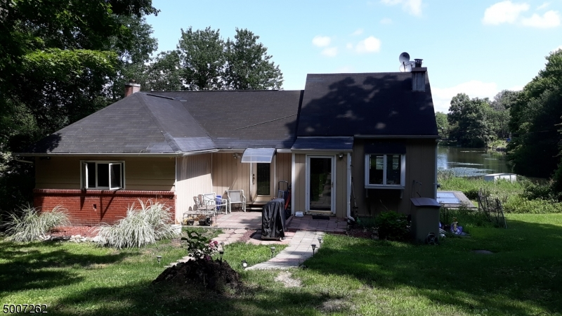 Photo of home for sale at 17 PADDOCK AVE, Vernon Twp. NJ