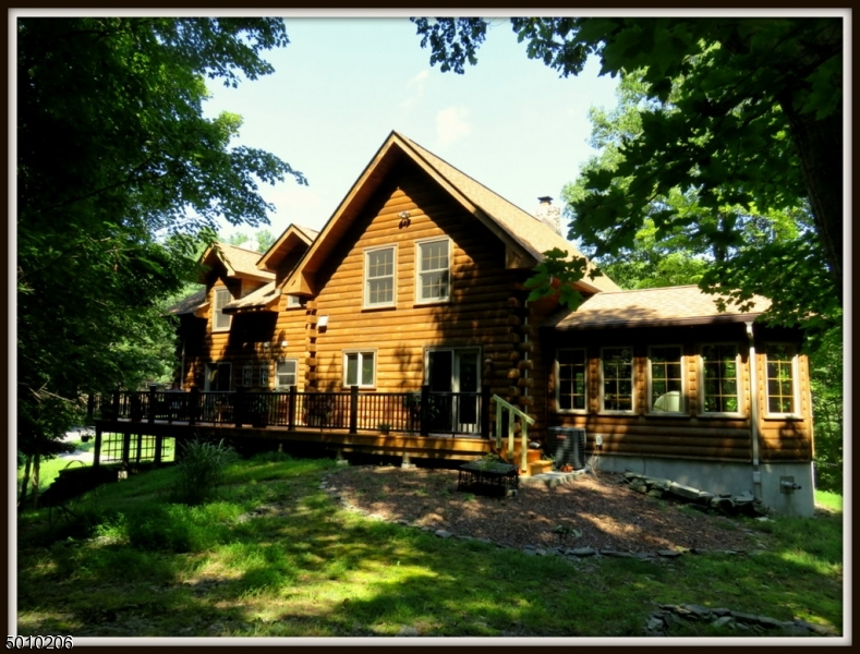 Photo of home for sale at 34 SUNSET LAKE ROAD, Hardwick Twp. NJ