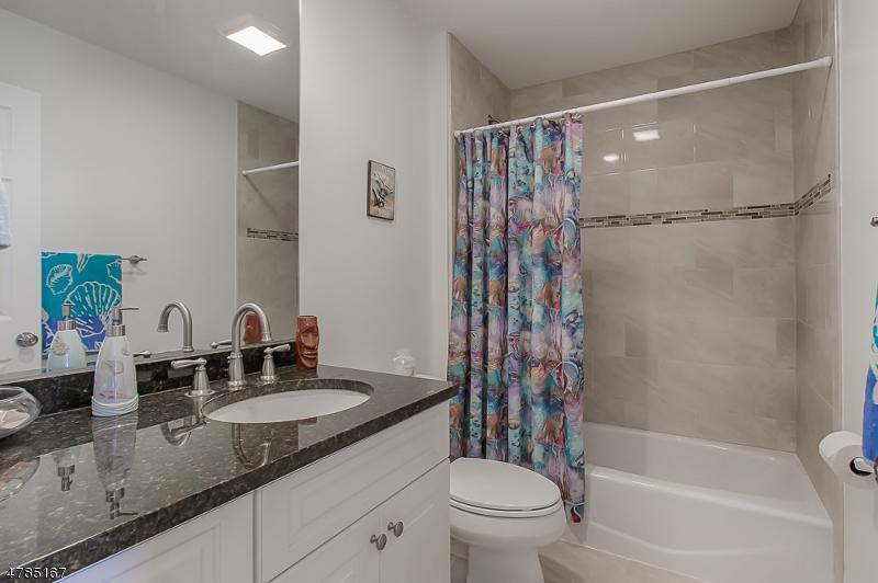 23 Tulane Trl Hopatcong Boro, NJ 07843 - MLS #: 3453365