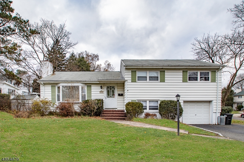 Photo of home for sale at 28 HIGH ST, Fair Lawn Boro NJ