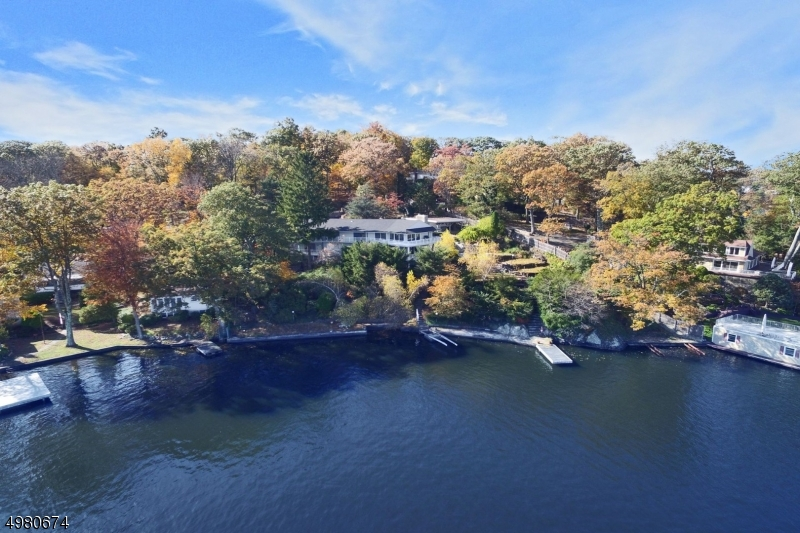 Photo of home for sale at 237 MAXIM DR, Hopatcong Boro NJ
