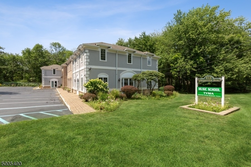 Photo of home for sale at 513 WARRENVILLE RD UNIT3, Warren Twp. NJ