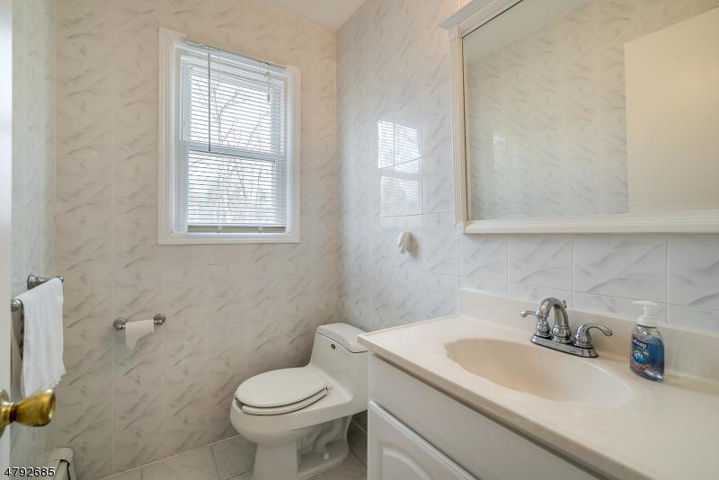 1 Robin Ct Montville Twp., NJ 07045 - MLS #: 3461666