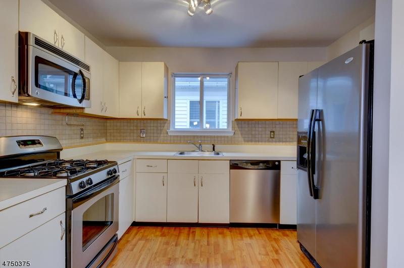 706 Reed Ct Raritan Twp., NJ 08822 - MLS #: 3421667