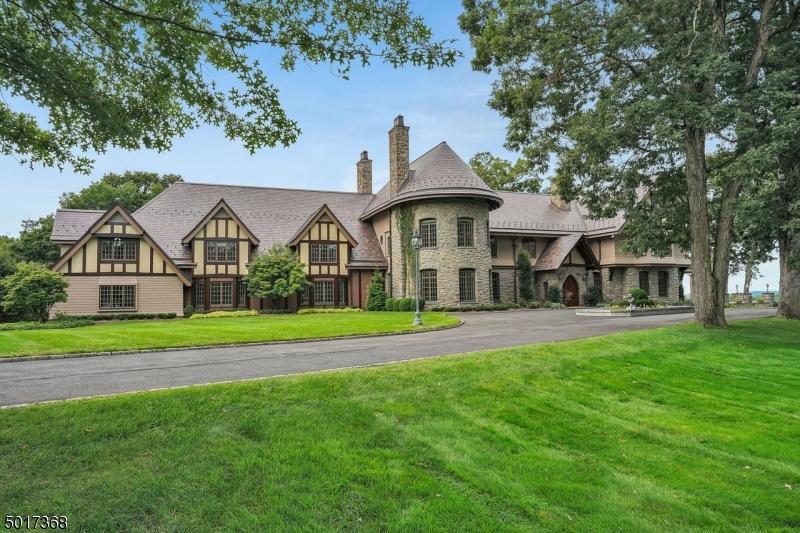 Photo of home for sale at 475 BERNARDSVILLE RD, Mendham Boro NJ