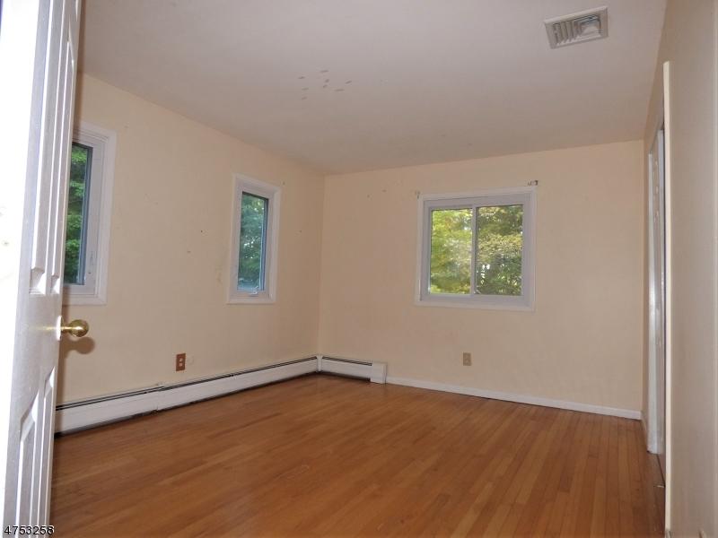 255 E Mountain Rd Sparta Twp., NJ 07871 - MLS #: 3424368