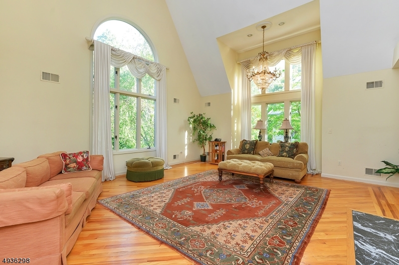 Photo of home for sale at 25 BEDFORD RD, Summit City NJ