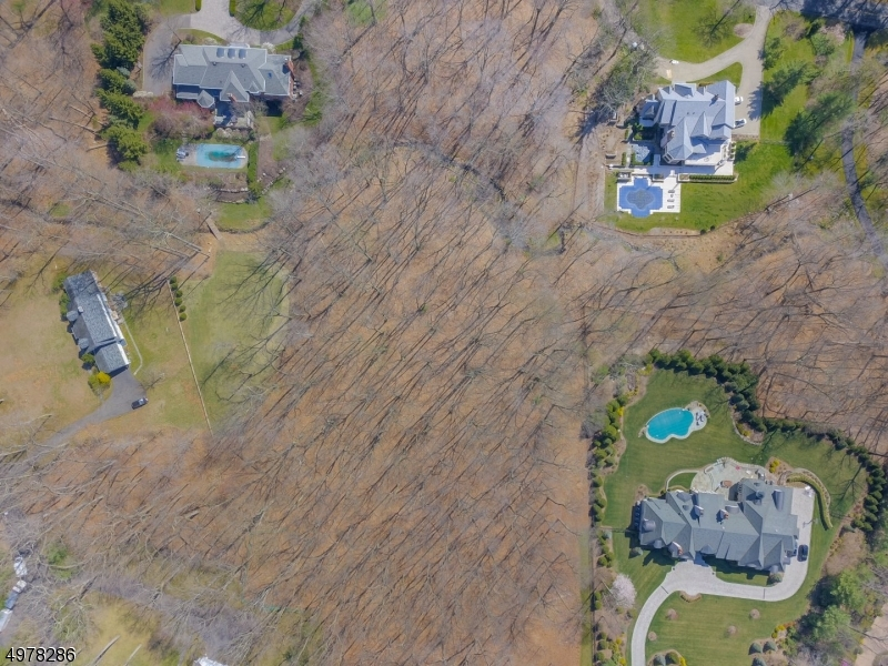Photo of home for sale at ALFORD DR, Saddle River Boro NJ