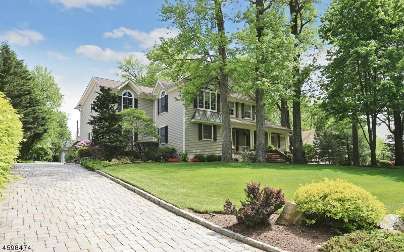 Property for sale at 12 Breezeknoll Dr, Westfield Town,  NJ  07090