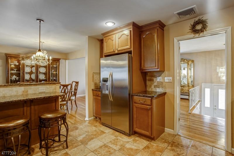 118 Tudor Drive Clark Twp., NJ 07066 - MLS #: 3448769