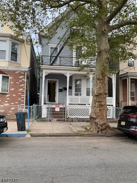 Photo of home for sale at 35 JACQUES ST, Elizabeth City NJ