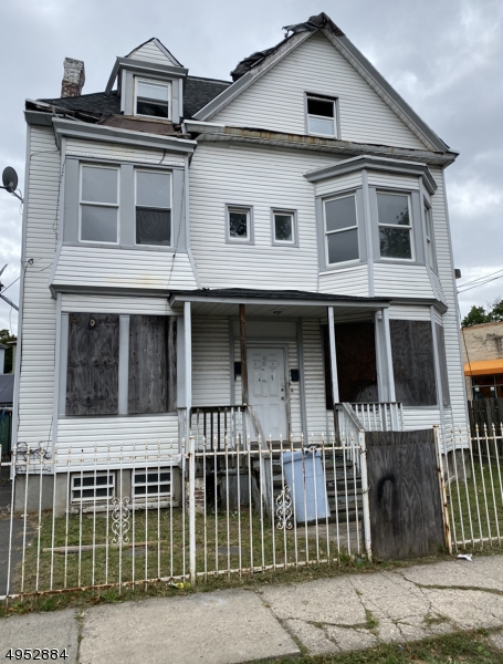 Photo of home for sale at 11 VERMONT AVE, Newark City NJ