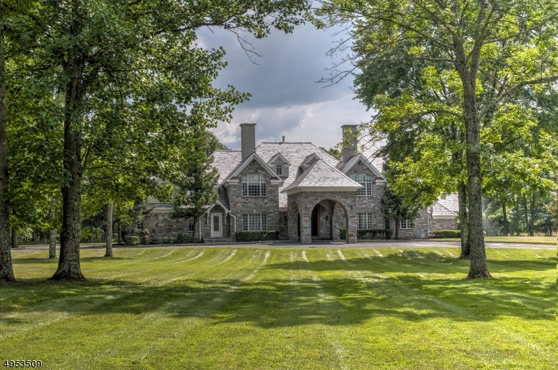 Photo of home for sale at 101 SPRING HOLLOW RD, Far Hills Boro NJ