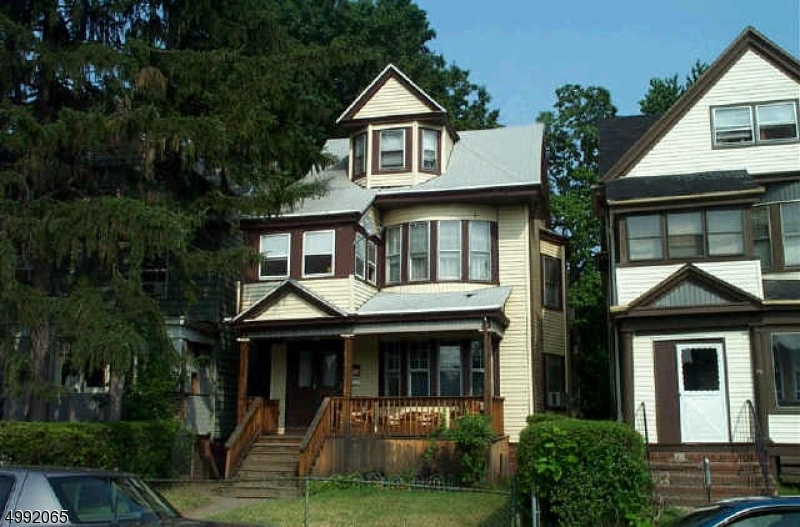 Photo of home for sale at 52 SHEPARD AVE, East Orange City NJ
