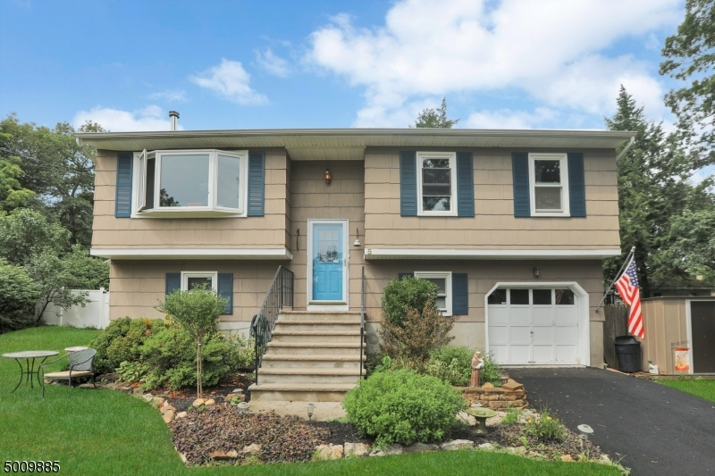 Photo of home for sale at 5 DELAWARE AVENUE, Jefferson Twp. NJ