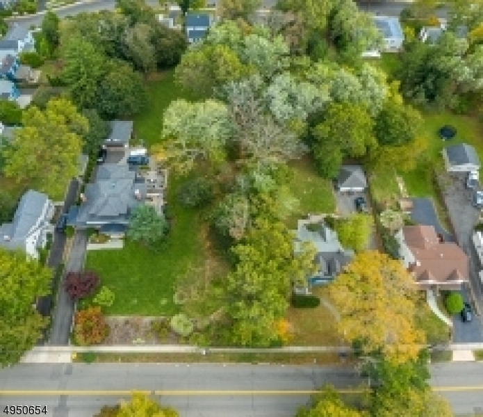Photo of home for sale at 101 HILLSIDE AVE, Chatham Boro NJ