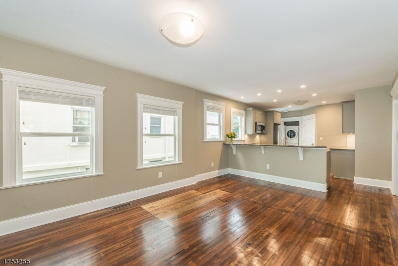 34 N Willow St, Unit 1 Montclair Twp., NJ 07042 - MLS #: 3424470