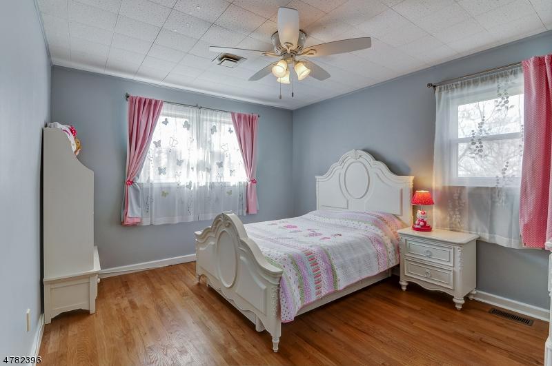 4 Dorrien Rd Livingston Twp., NJ 07039 - MLS #: 3450570