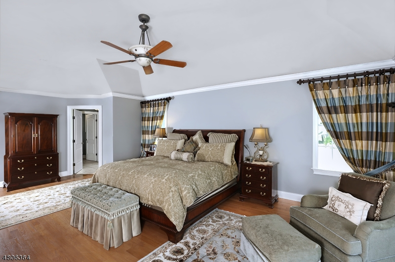 33 Oak Grove Rd Raritan Twp., NJ 08822 - MLS #: 3474370