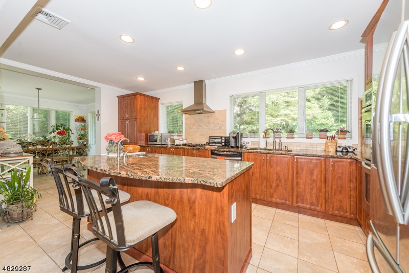 Photo of home for sale at 31 PROSPECT RD, Wayne Twp. NJ