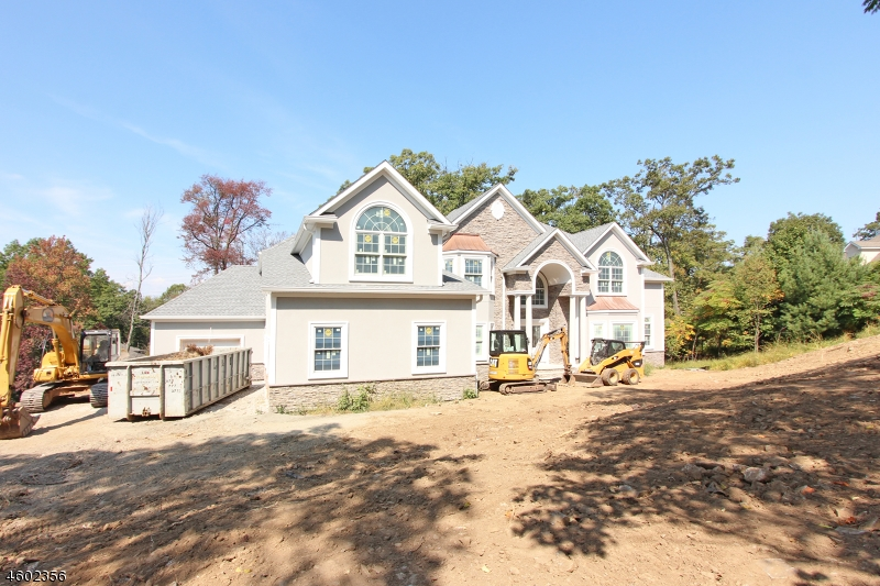 Photo of home for sale at 81 Eileen Dr, Cedar Grove Twp. NJ
