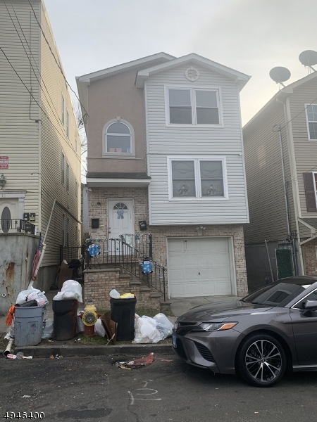 Photo of home for sale at 10 12TH AVE, Paterson City NJ