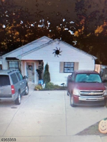 Photo of home for sale at 220 HAYES MILL RD, Waterford Twp. NJ