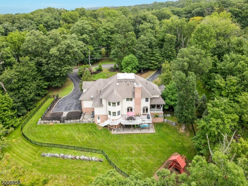 Photo of home for sale at 84 ANDERSON ROAD, Watchung Boro NJ