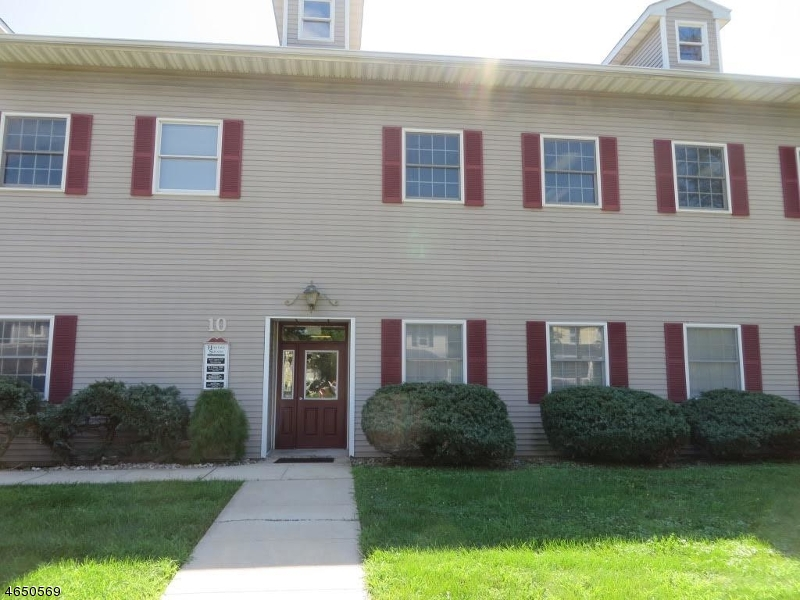 Photo of home for sale at 10 N Gaston Ave, Somerville Boro NJ