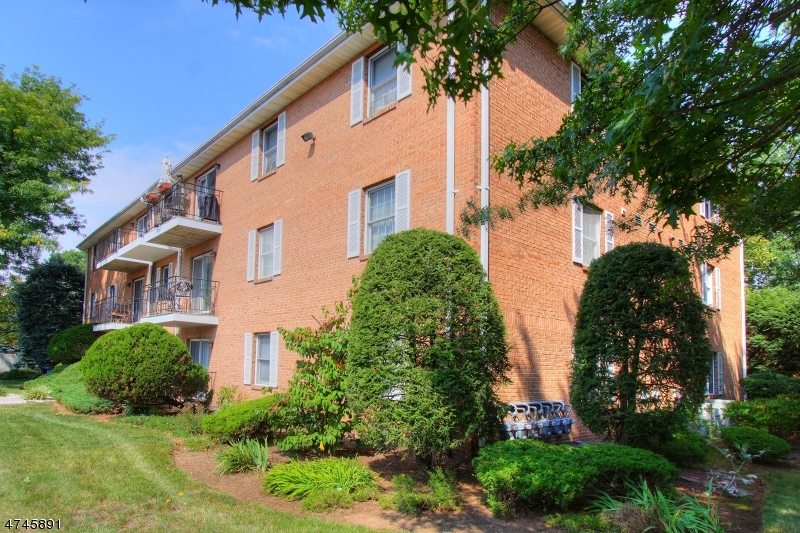 Property for sale at 26 John St, Apt 3A, Bloomfield Twp.,  NJ 07003