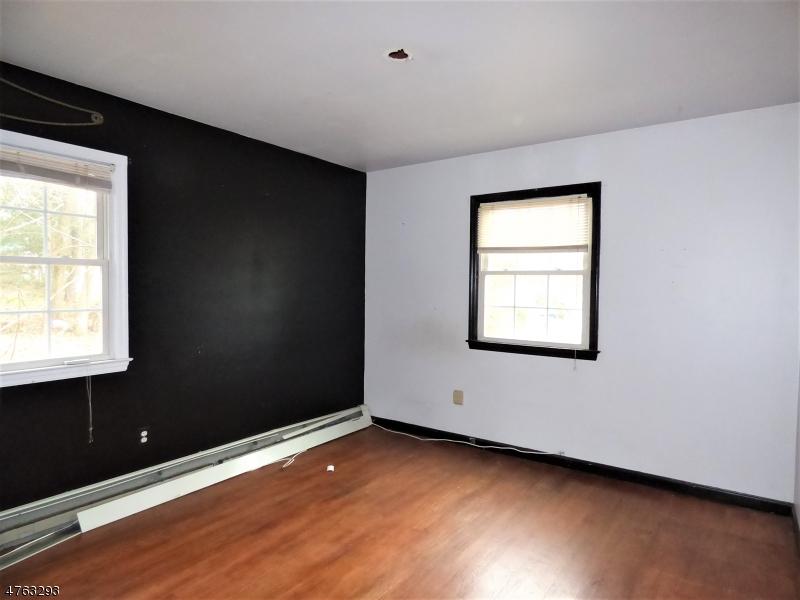 16 Meadowview Ct West Milford Twp., NJ 07435 - MLS #: 3434071