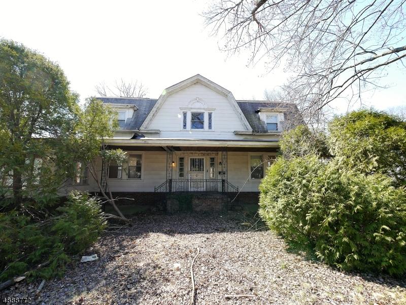 Photo of home for sale at 400 GROVE ST, Glen Rock Boro NJ