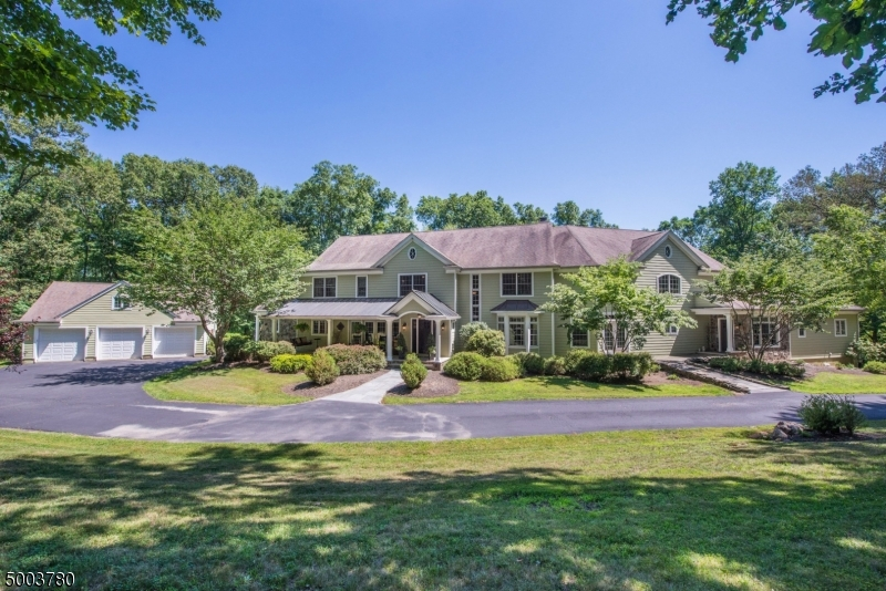 Photo of home for sale at 78 N FOUR BRIDGES RD, Washington Twp. NJ