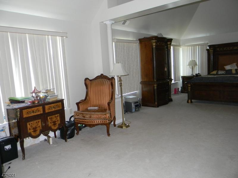 512 Spotswood Gravel Hill Rd Monroe Twp., NJ 08831 - MLS #: 3398272
