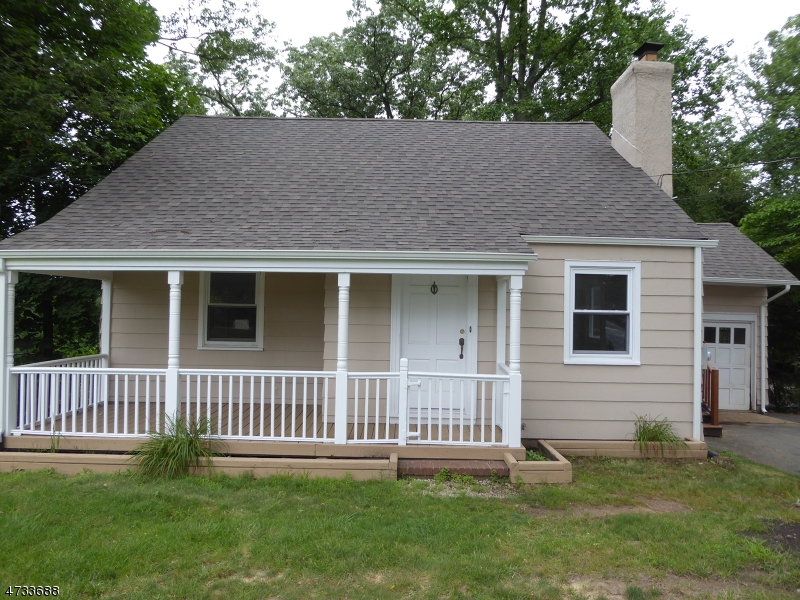 Photo of home for sale at 777 Mountain Ave, New Providence Boro NJ