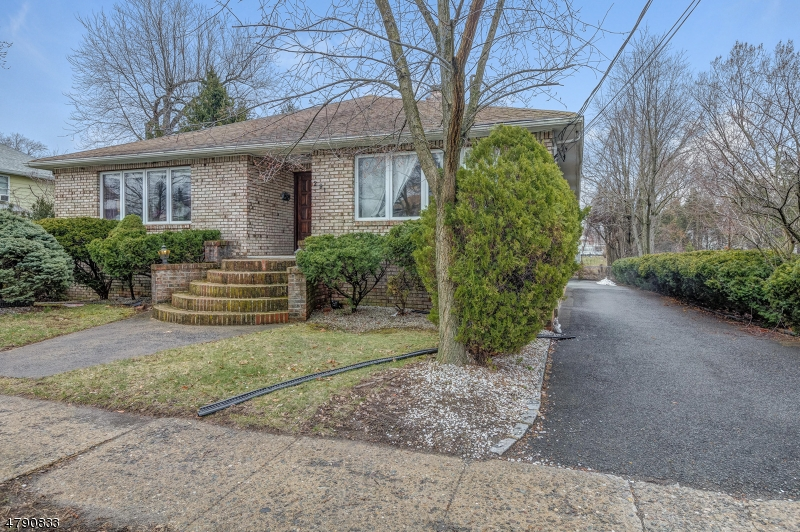 Property for sale at 291 Mountain Ave, Springfield Twp.,  NJ  07081