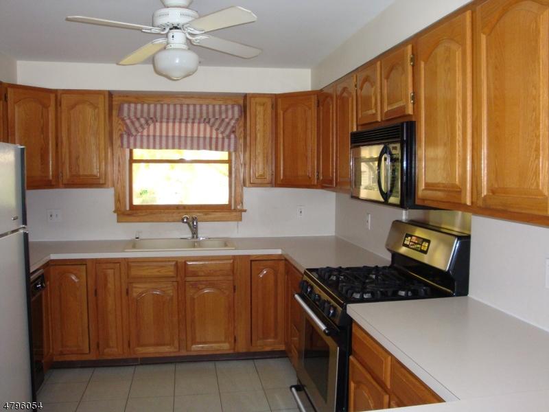 24 Mitchell Ave Roseland Boro, NJ 07068 - MLS #: 3463472