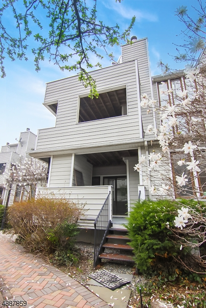 Photo of home for sale at 751 MAINSAIL LN UNIT 2A, Secaucus Town NJ