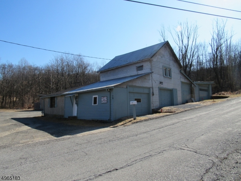 Photo of home for sale at BUTTERMILK BRIDGE RD, Washington Twp. NJ