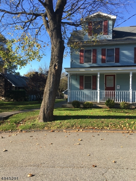 Photo of home for sale at 165 PARK AVE, Lopatcong Twp. NJ