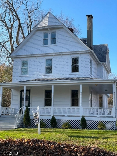 Photo of home for sale at 110 PARK PL, North Plainfield Boro NJ