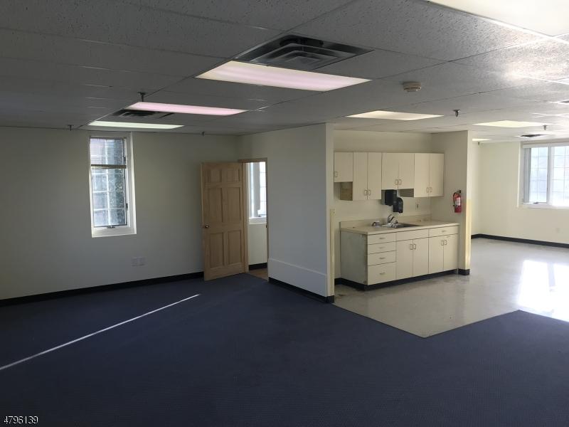 921 922 Courtyard Dr Hillsborough Twp., NJ 08844 - MLS #: 3463373