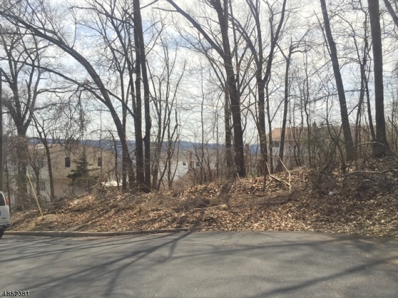 Photo of home for sale at 35 PATERSON AVE, Haledon Boro NJ